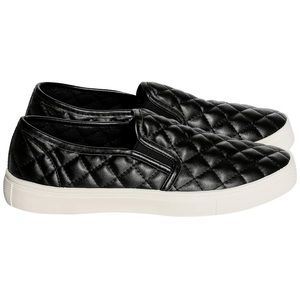 🇺🇸Weebo • faux leather quilted slip on size 7.5